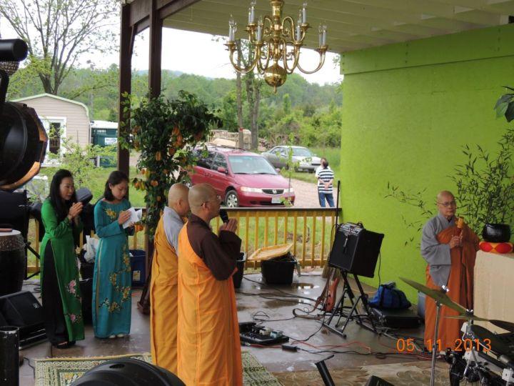 Thư Mời Chiêm Bái Phật Ngọc